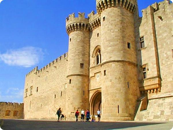 Дворец Великих Магистров на острове Родос
