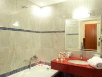 Ванная комната в отеле Agelia Beach 4*, Крит