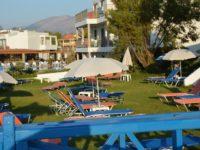 Пляжная зона отеля Christiana Beach Hotel 3*