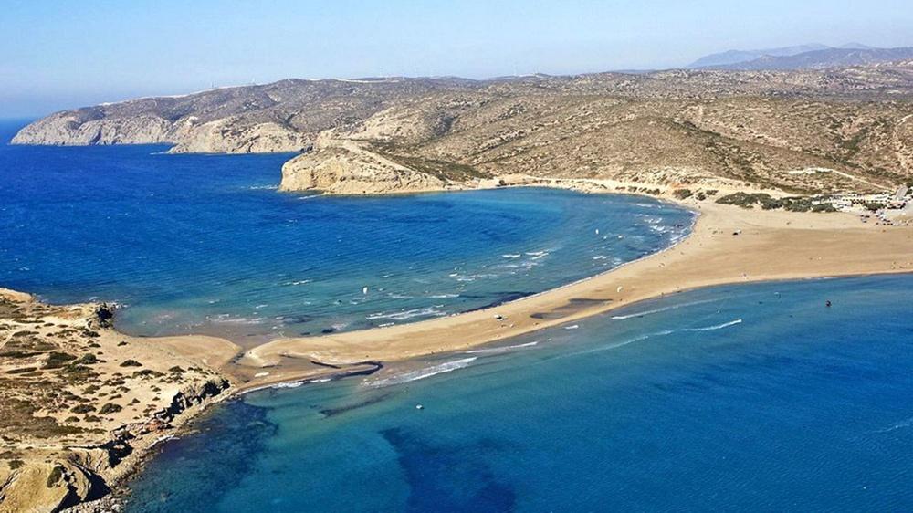 Прасониси, место слияния двух морей в Греции